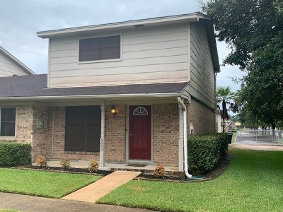 Beaumont TX Condo/Townhouse For Sale: $102,500