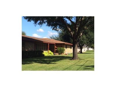Hearne Single Family Home For Sale: 510 Calvert Street