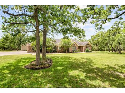 College Station Single Family Home For Sale: 5811 Stallion Ridge Drive
