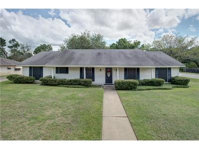 Bryan Single Family Home For Sale: 2400 Briar Oaks Drive