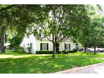 Milam County Single Family Home For Sale: 106 West 12th Street
