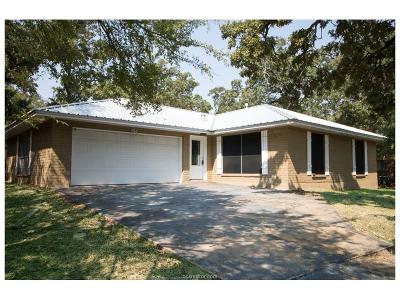 College Station Single Family Home For Sale: 1414 Magnolia Drive
