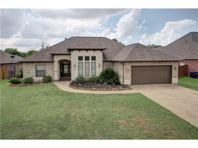 College Station Single Family Home For Sale: 3712 Bridle Court