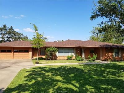 Bryan Single Family Home For Sale: 2107 Elmwood Drive