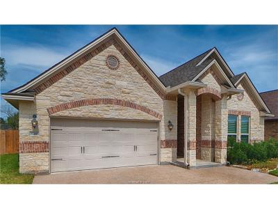 College Station Single Family Home For Sale: 8316 Raintree Drive