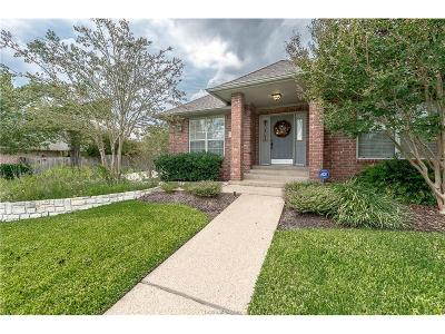 College Station Single Family Home For Sale: 4608 Oakmont
