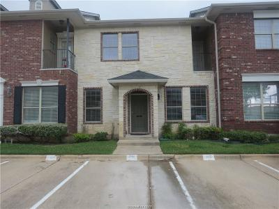 College Station Condo/Townhouse For Sale: 302 Forest Drive Drive