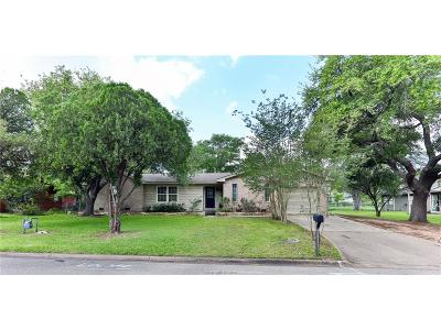 College Station Single Family Home For Sale: 1006 Winding Road