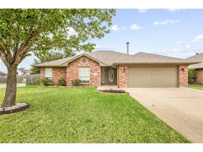 College Station Single Family Home For Sale: 1301 Baywood Lane