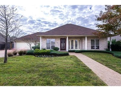 College Station Single Family Home For Sale: 804 Holston Hills Drive