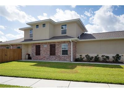 College Station Condo/Townhouse For Sale: 1756 Heath Dr