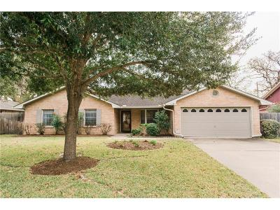 College Station Single Family Home For Sale: 2704 Red Hill Drive