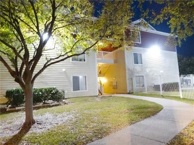College Station Condo/Townhouse For Sale: 527 Southwest Parkway #301