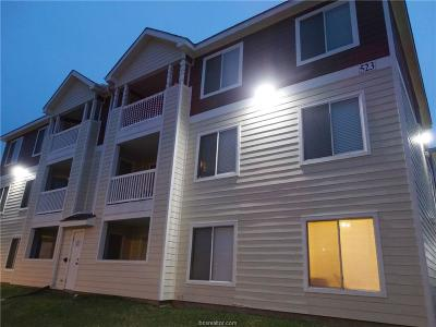 College Station Condo/Townhouse For Sale: 523 Southwest Parkway #203