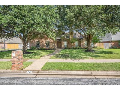 College Station Single Family Home For Sale: 707 Dover Drive