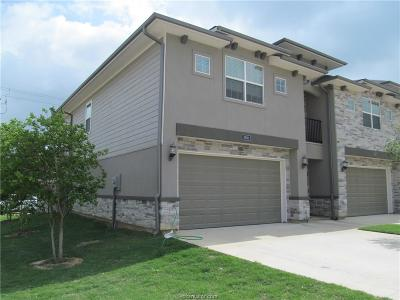 College Station Condo/Townhouse For Sale: 3501 Summerway Drive