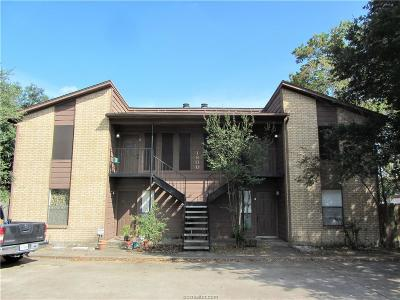 College Station Condo/Townhouse For Sale: 1800 Treehouse #D