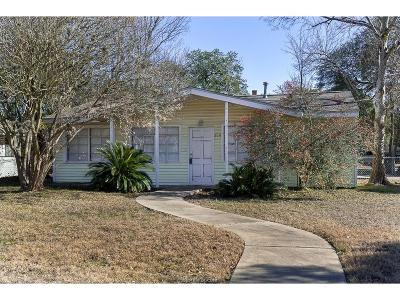 College Station Single Family Home For Sale: 200 Gilchrist