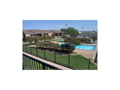 College Station Condo/Townhouse For Sale: 904 University Oaks #122