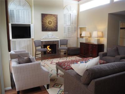 College Station Condo/Townhouse For Sale: 1528 Wolf Run
