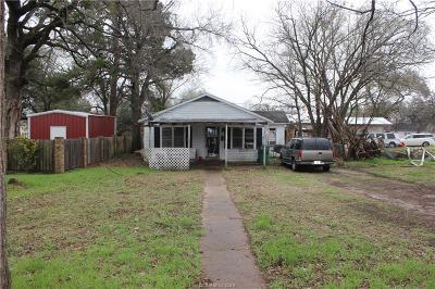 Hearne Single Family Home For Sale: 304 East 1st Street