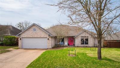 College Station Single Family Home For Sale: 4438 Woodland Ridge Court