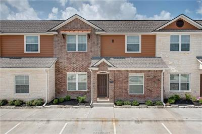 College Station Condo/Townhouse For Sale: 301 Southwest Parkway #352