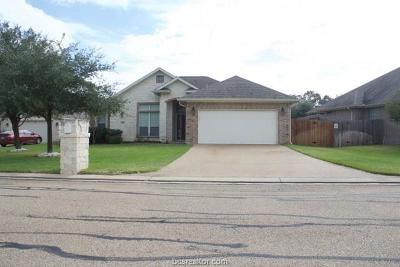 College Station Single Family Home For Sale: 2205 Carlisle Court