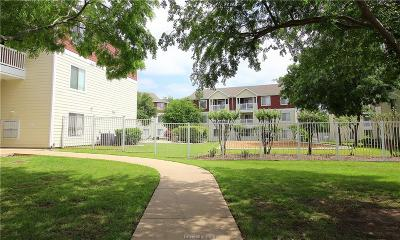 College Station Condo/Townhouse For Sale: 527 Southwest Parkway #204