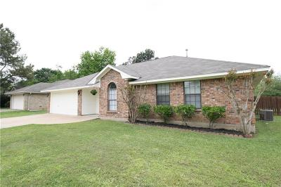 College Station Single Family Home For Sale: 3200 Bahia Drive