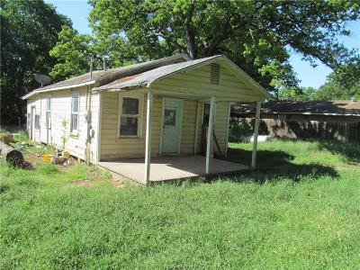Milam County Single Family Home For Sale: 515 East Ave F