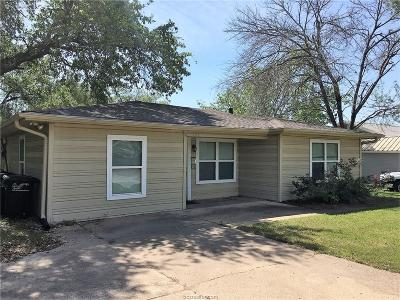 College Station Single Family Home For Sale: 202 Walton Drive