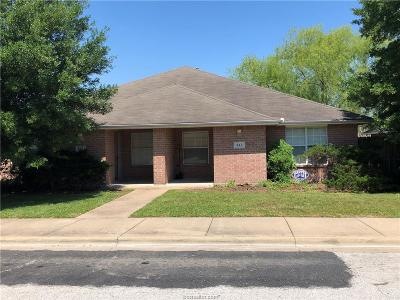 Brazos County Multi Family Home For Sale: 941-943 Sun Meadow Street