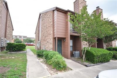College Station Condo/Townhouse For Sale: 904 University Oaks #72