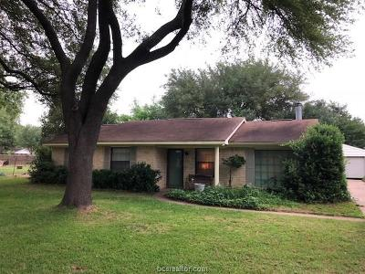 Hearne Single Family Home For Sale: 1 Willow Drive