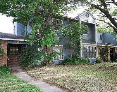 College Station Condo/Townhouse For Sale: 1003 Balcones Drive