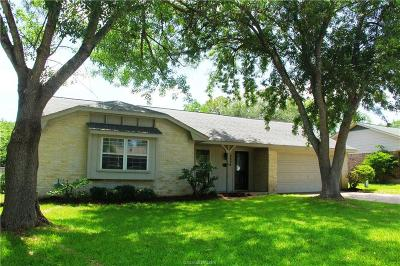 Brazos County Single Family Home For Sale: 2804 Hillside Drive