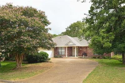 Bryan Single Family Home For Sale: 2813 Bishops Gate