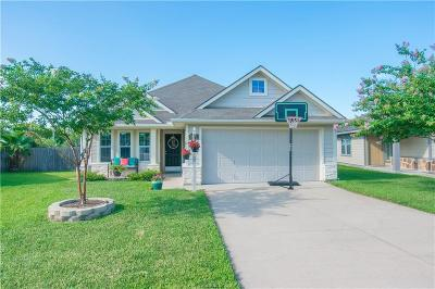 College Station Single Family Home For Sale: 3905 Crown Ridge Court