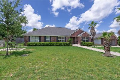 Navasota Single Family Home For Sale: 707 Hillside Drive