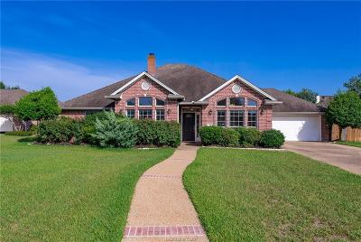 College Station Single Family Home For Sale: 702 Driver Court