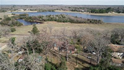 Leon County Single Family Home For Sale: 15 Lakefront Drive