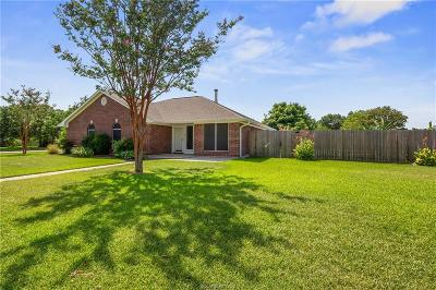 College Station Single Family Home For Sale: 1700 Windswept Drive