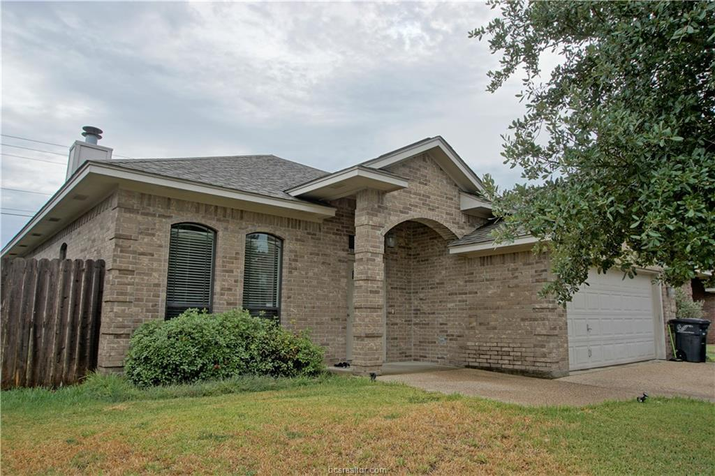 4 bed / 2 baths Rental For Rent in College Station for $1,600