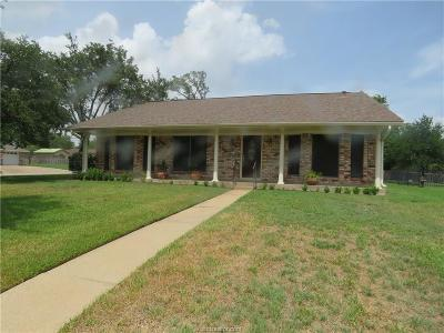 Bryan Single Family Home For Sale: 2401 Carter Creek