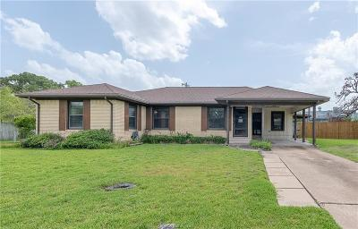 Bryan Single Family Home For Sale: 717 Lazy Lane