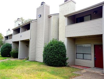 College Station Condo/Townhouse For Sale: 1902 Dartmouth O-5