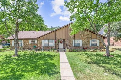 Bryan Single Family Home For Sale: 2602 Briar Oaks Drive