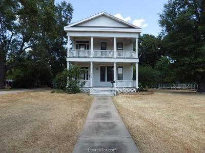 Navasota Single Family Home For Sale: 717 Church Street