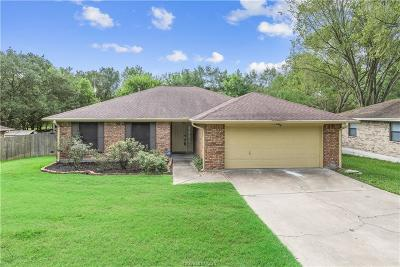 College Station Single Family Home For Sale: 2714 Red Hill Drive